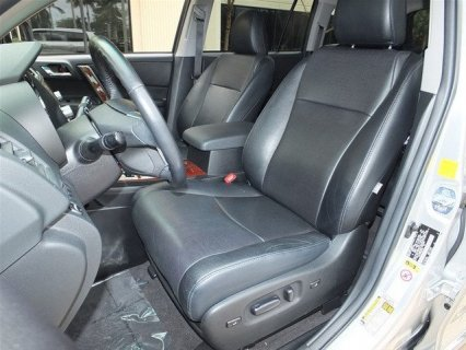 صور My 2011 Toyota Highlander car for sale 2