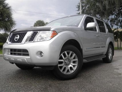 MY 2012 NISSAN PATHFINDER LE