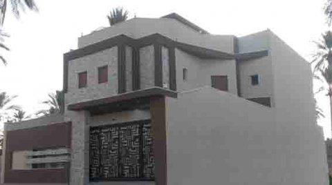 مبنى من دورين جديد للبيع