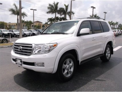 TOYOTA LAND CRUISER, 2011 MODEL.