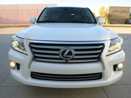 Reduced priced: 2013 LEXUS LX 570 SUV (WHITE)