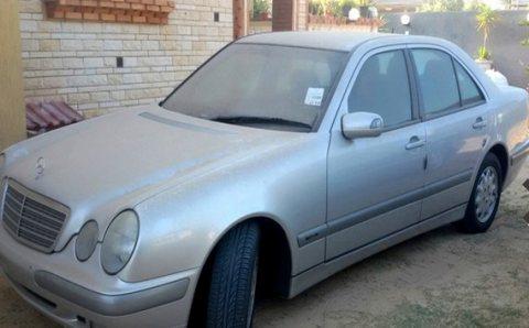 سيارة مرسيدس مويل 2000