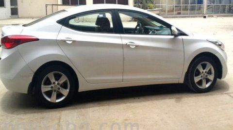 سيارة هونداي ألنترا موديل 2012 للبيع