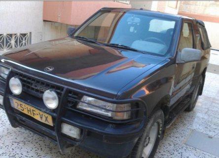 سيارة اوبل فرونتيرا موديل 1996 للبيع