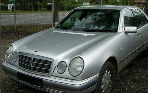 سيارة مرسيدس  موديل 99 2000  للبيع